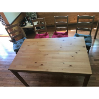 Dinning Table with 4 Chairs as set for 7.500Yen